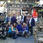 Nasza grupa przed najstarszym pubem w Gloucester
