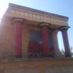 Północne wejście do pałacu w Knossos, malowidło przedstawia szarżującego byka